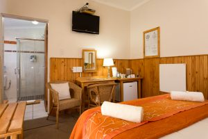 Room 3 with double bed and en-suite bathroom and shower